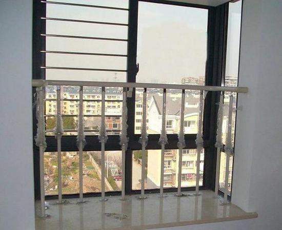 飘窗也要装安全护栏,安全隐患要提防