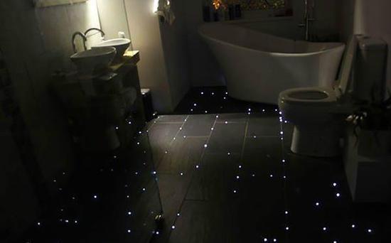 万万没想到,地板能变浪漫星空