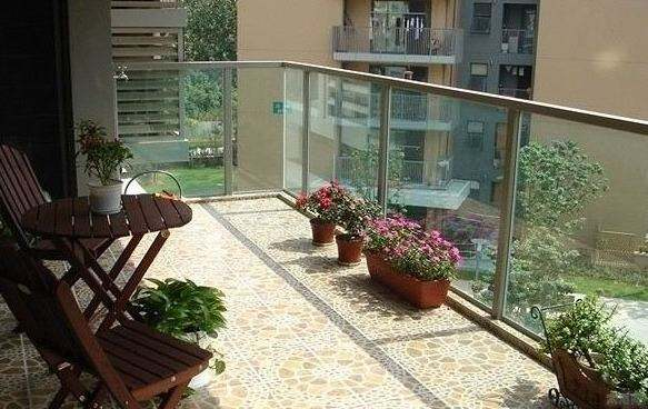 阳台铺什么地板砖好 阳台地板砖的铺贴方法