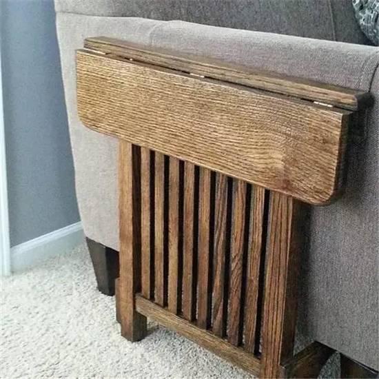 利用沙发扶手