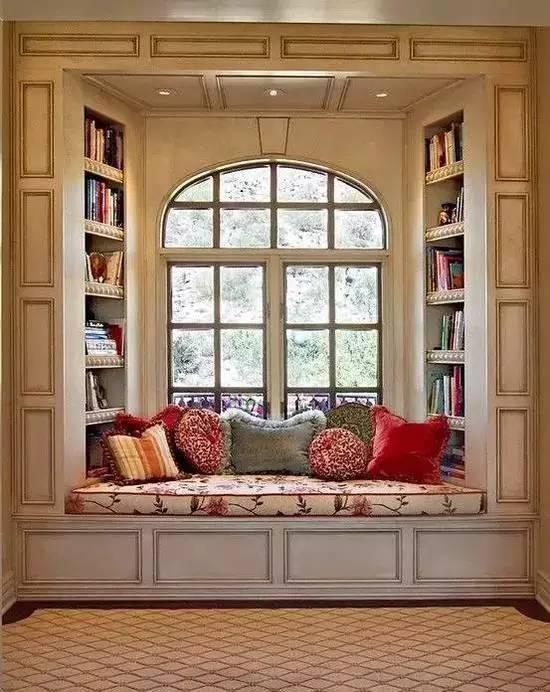 飘窗这样布置 温馨又实用
