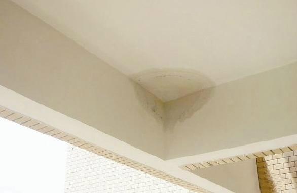 阳台漏水怎么办 怎么解决阳台漏水?