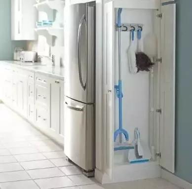 没有预留好冰箱的位置