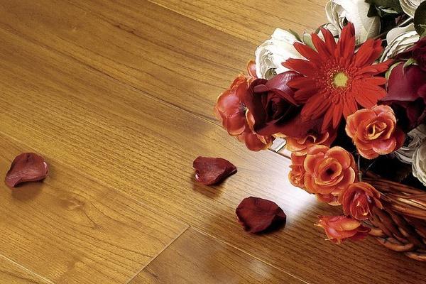 木地板打蜡步骤详解 让地板更美观