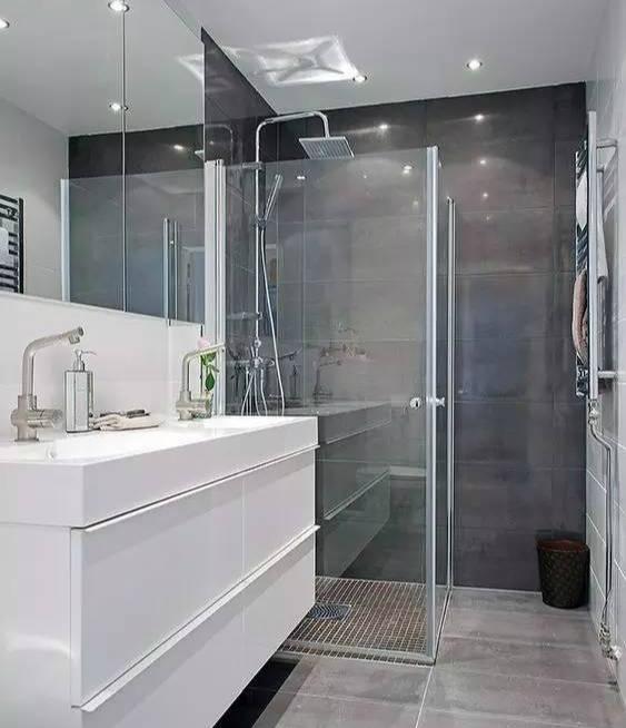 不止是手机需要贴膜 淋浴房也需要保护