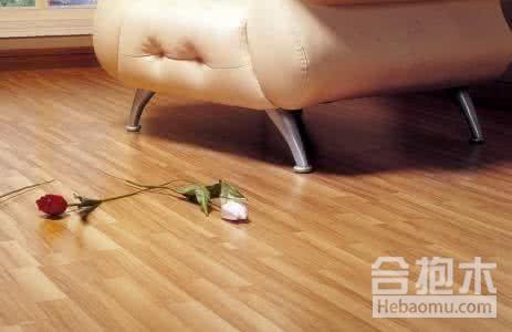 木地板该怎么打蜡