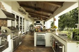 合抱木裝修學堂-【裝修公司】陽台改造廚房需要什么条件?陽台改造廚房注意事项
