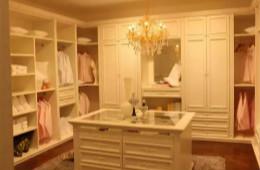 合抱木裝修學堂-衣櫃是定制好还是请木工师傅做好,听听多年木工师傅怎么说的!
