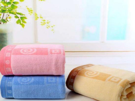 合抱木家居資訊-如何選購高質量毛巾被?毛巾被怎么清洗?