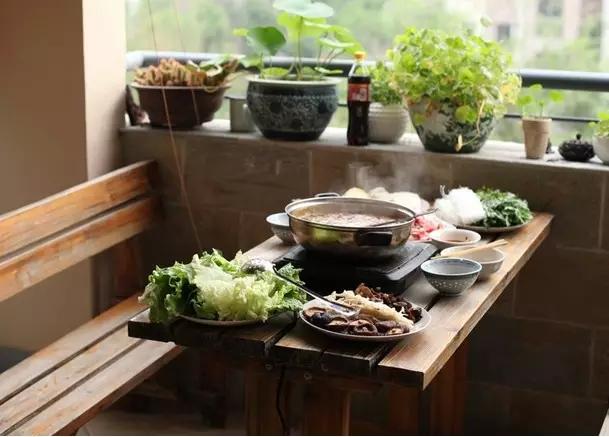 合抱木家居資訊-7种小户型餐廳 厨房角落走廊边都HOLD住