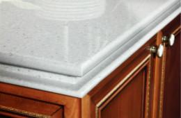 """合抱木裝修學堂-廚房臺面用哪種材質好?這五種材質請""""擇優錄取"""""""