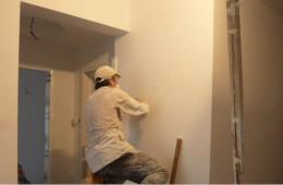 合抱木装修学堂-墙面翻新换新颜,选对方法很关键